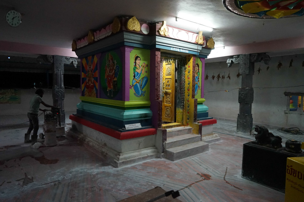 Hindu temple painted by a moslem artist
